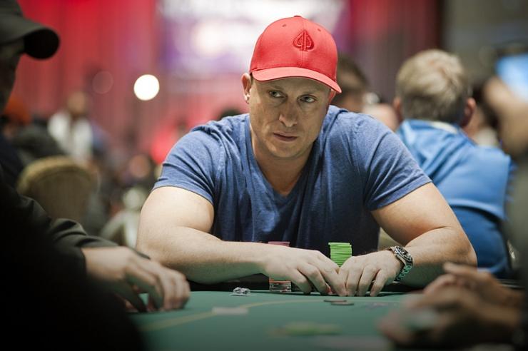 Секс за покерным столом