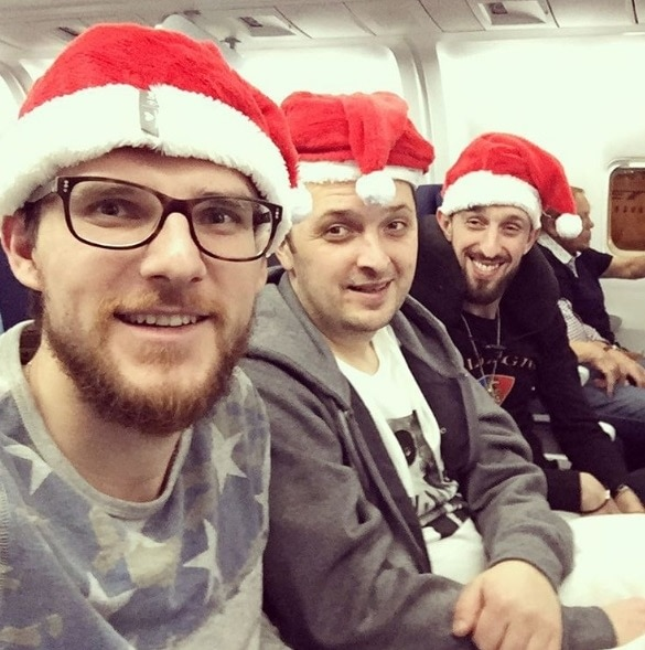 Подпись в Инстаграме Андрея Патейчука: Off to #EPT Prague after two exciting weeks in Vegas with a Christmas