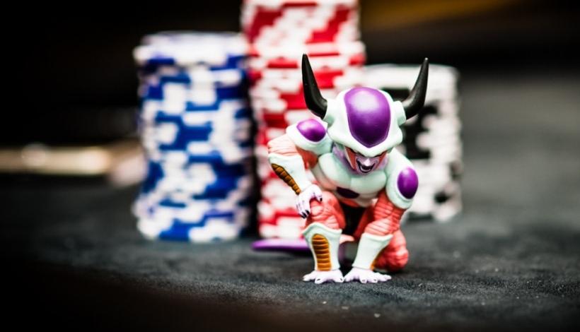 покере онлайн блефовать