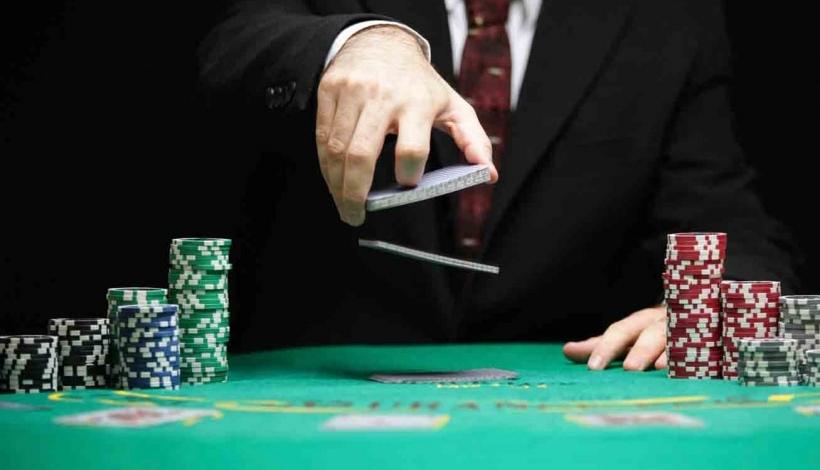 как играть онлайн турнир покер