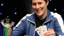 Лучшие девушки в покере 2010