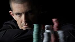 Гас Хансен продолжает быть самым худшим игроком в истории онлайн покера