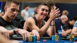 Колман извинился перед Хельмутом и собрался уйти из покера