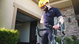 Дэн Билзерян выиграл велосипедное пари — честно ли?