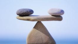 Сбалансированная игра против предсказуемых розыгрышей