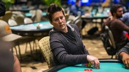 Ванесса Селбст возвращается в покер?
