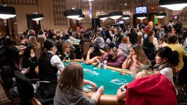 «1 мужчина = 10 женщин» — история и скандалы WSOP Ladies Event